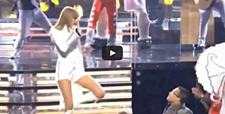 Taylor-Swift-Grammys-Live_thumb